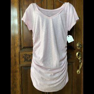 ❤️NWT-Nordstrom's ruched sides long v-neck t-shirt